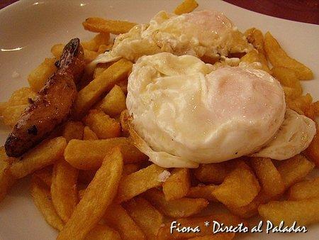 Huevos de la casa con foie
