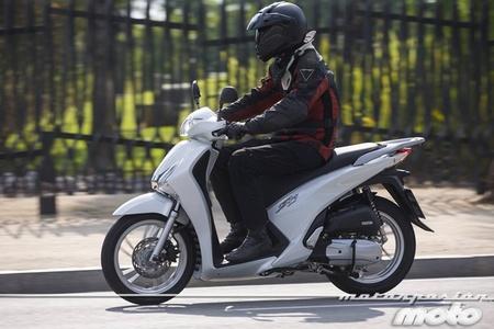 Honda Scoopy SH125i 2013, prueba (valoración, galería y ficha técnica)