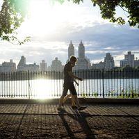 Una rutina de entrenamiento rápido en el parque que no te llevará más de 30 minutos