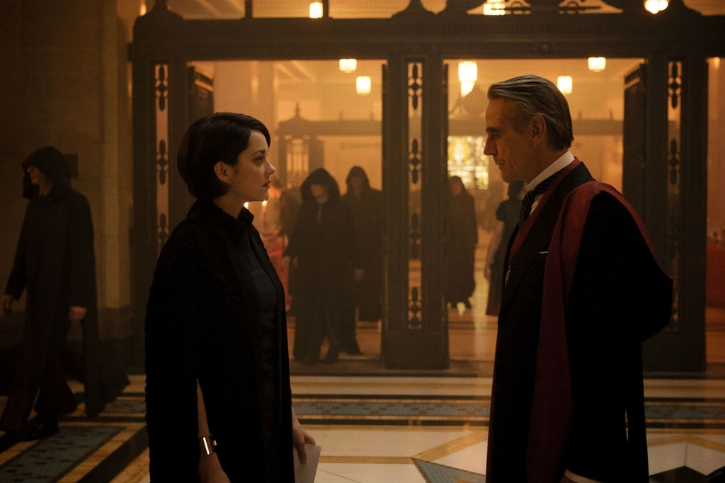Marion Cotillard Jeremy Irons Assassins Creed