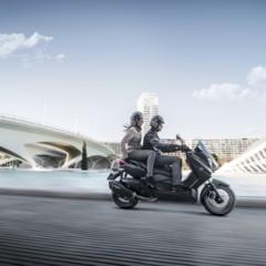 Foto 5 de 15 de la galería yamaha-x-max-400-momodesign-en-accion en Motorpasion Moto