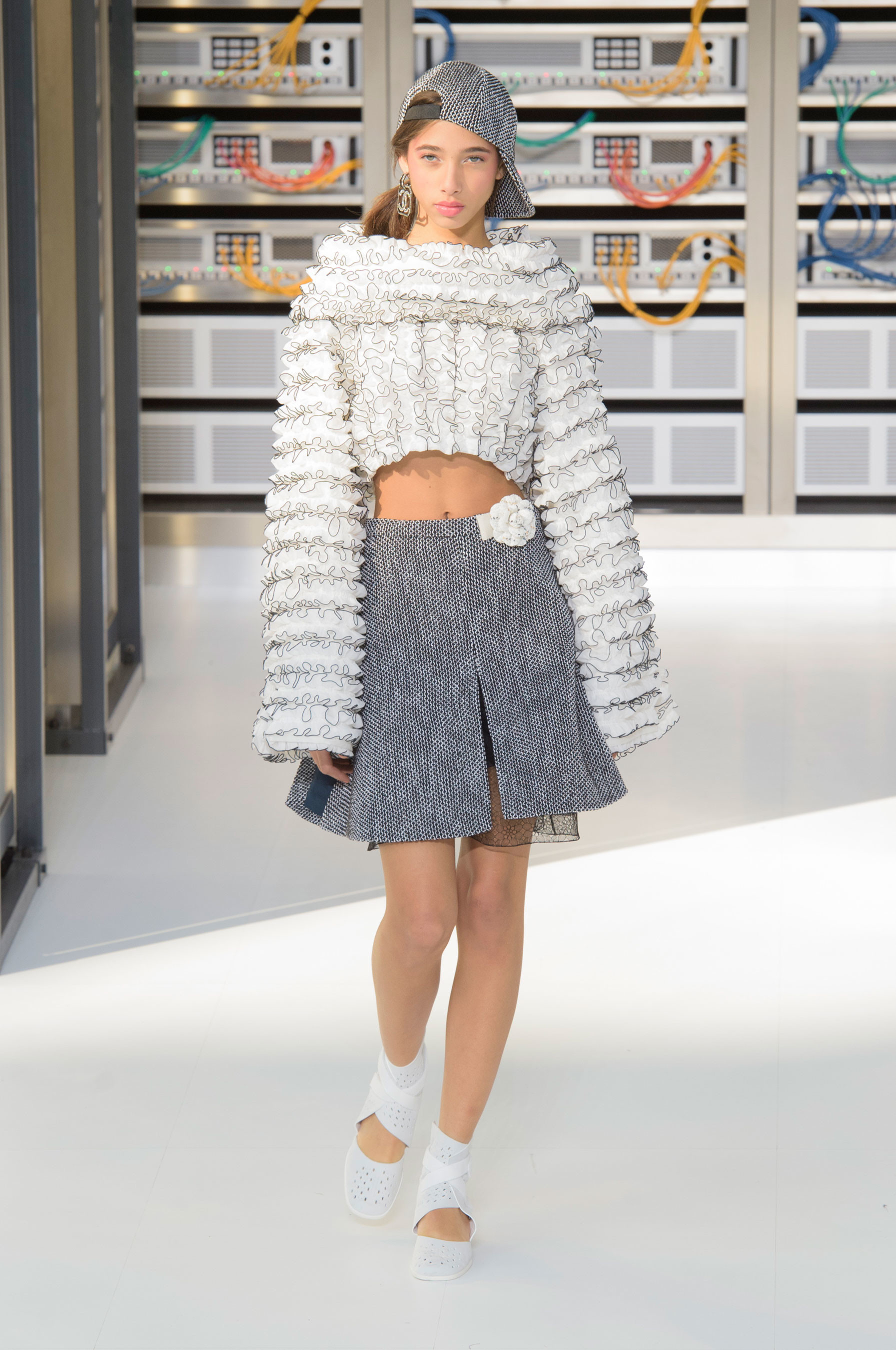 Foto de El regreso al futuro de Chanel en su colección Primavera-Verano 2017 (64/96)