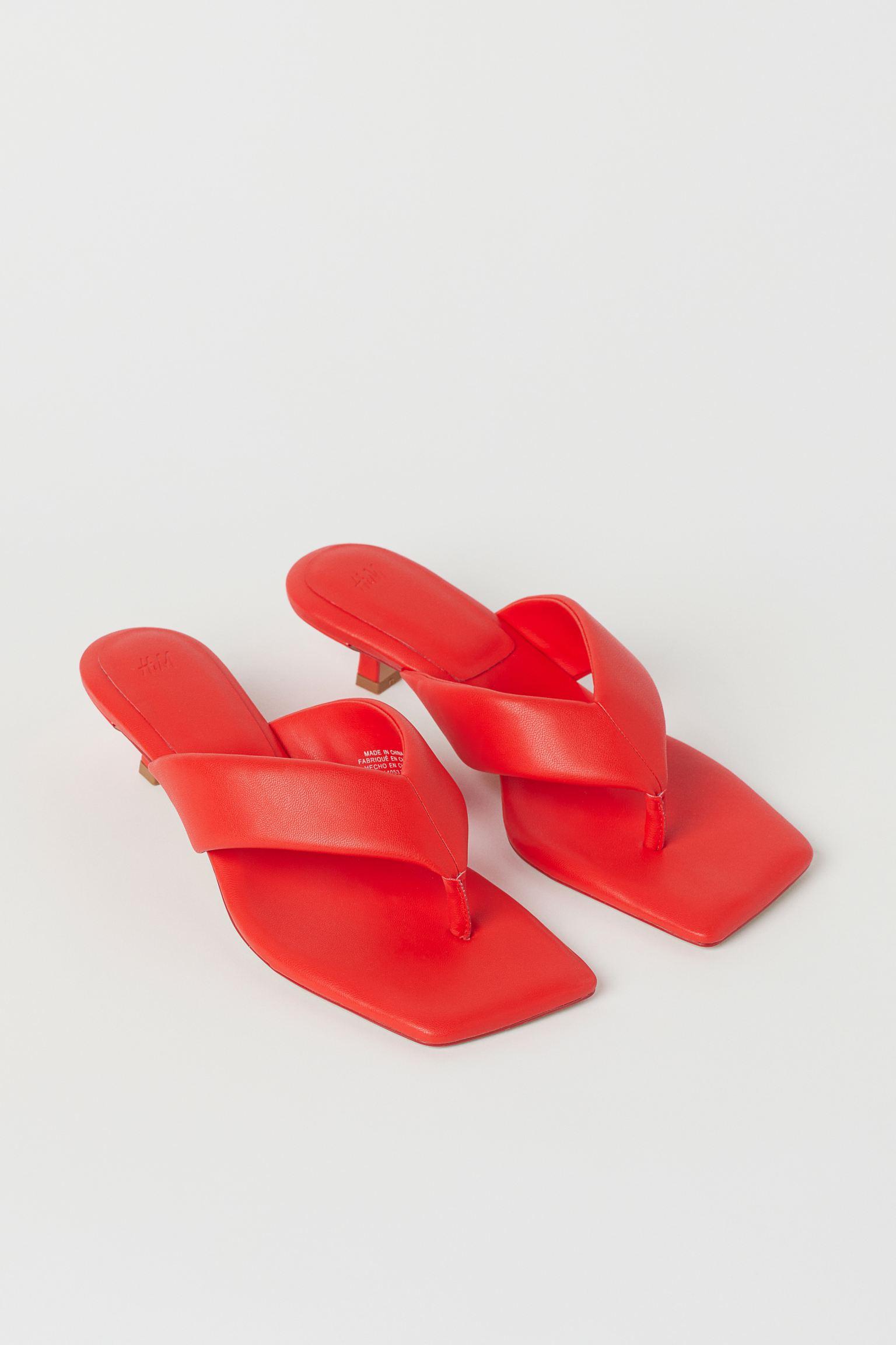 Sandalias de dedo rojas