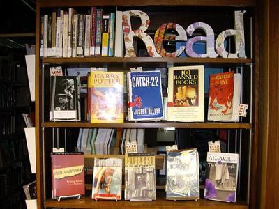 Los 7 consejos de Austin Kleon para leer más en 2015