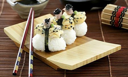 Cómo preparan el arroz en Japón para hacer sushi