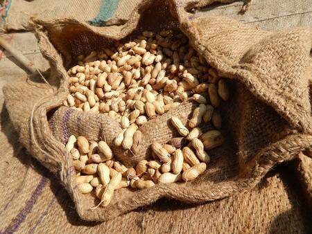 Beneficios de comer cacahuates regularmente