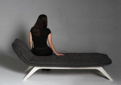 Chaise-longue con saco de dormir