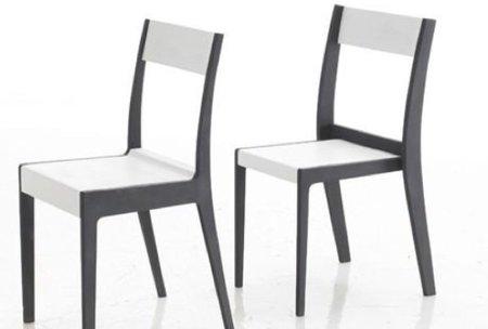 Sorellina, dos sillas en una