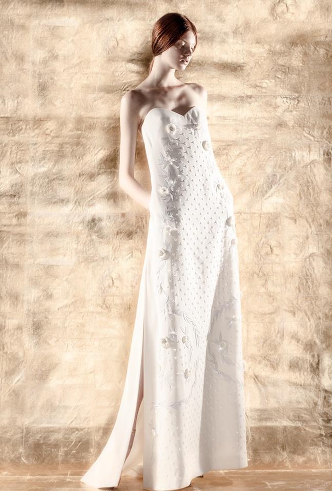 Foto de DELPOZO crea una colección cápsula de vestidos de novia (2/5)