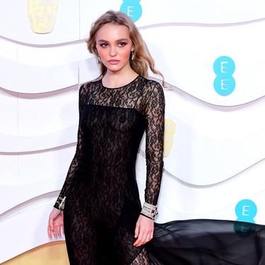 Lily Rose Deep apuesta por leggings de encaje en los Bafta 2020