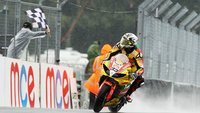 British Superbikes 2011: Tommy Hill aprovecha el tropiezo de John Hopkins en Oulton Park