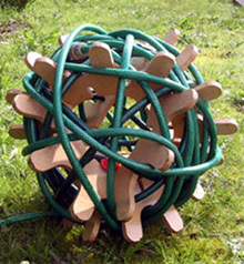 La manguera de jardín: toda una escultura