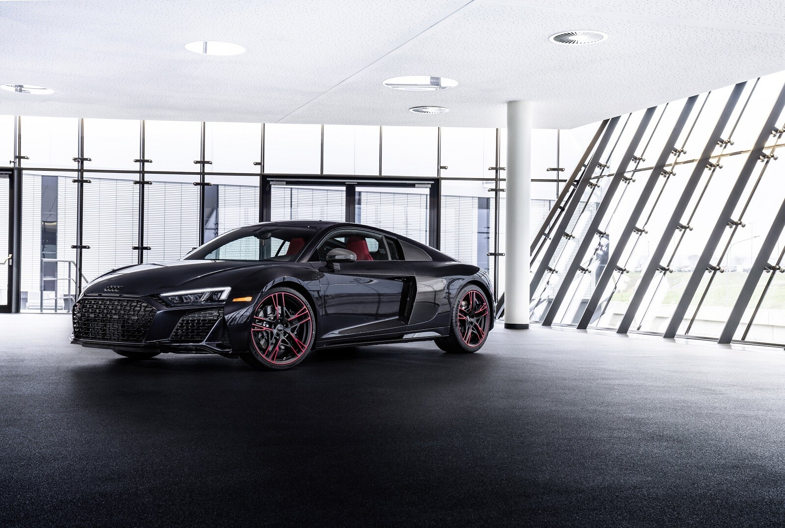 Audi R8 RWD Panther Edition