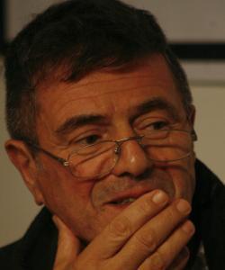 Guillermo Saccomanno con 'El oficinista' gana el Premio Biblioteca Breve 2010