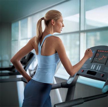 ¿Debemos correr antes o después de entrenarnos con pesas?