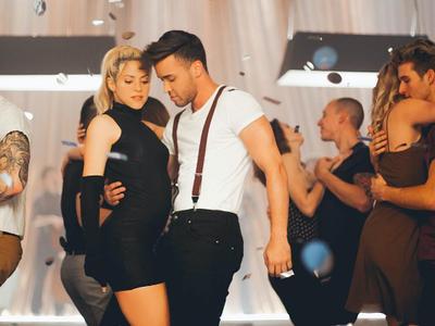 Shakira triunfa con su videoclip bachatero mientras firma acuerdos solidarios con el Barça