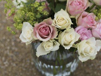 Su padre murió de cáncer, pero antes dejó todo arreglado para que recibiera flores en cada cumpleaños