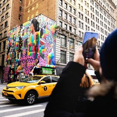 Okuda Sanmiguel pinta un mural para Desigual en  Nueva York