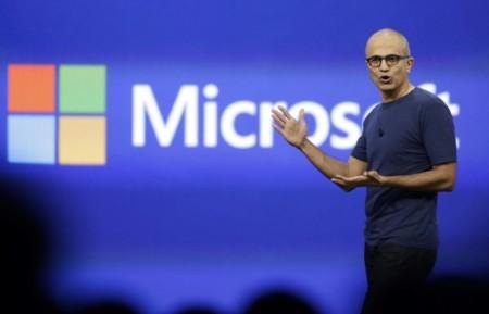 """Satya Nadella: """"Un iPhone con aplicaciones de Microsoft es un iPhone Pro"""""""