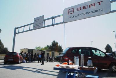 La huelga paraliza la producción de automóviles en España