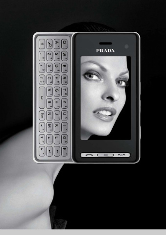 Linda Evangelista imagen de la segunda versión del móvil de Prada