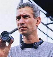 Roland Emmerich dirigirá el remake de 'Viaje Alucinante'