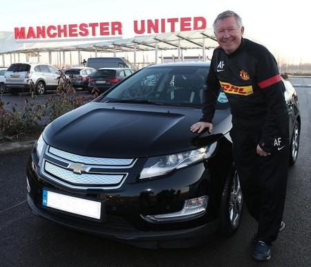 Alex Ferguson encantado con su nuevo Chevrolet Volt