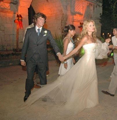 el vestido de paulina rubio el día de su boda