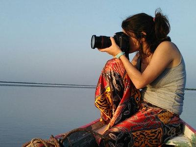 """""""No basta con llegar primero a un sitio, hay que desarrollar un discurso visual"""", Anna Surinyach, fotoperiodista"""