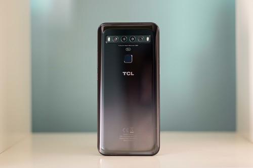 """TCL 10 5G, análisis: un gama media que quiere ser """"el chico distinto de la clase"""""""