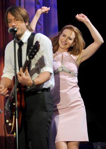 Nicole Kidman se desmelena con su marido en los premios del Orgullo Australiano