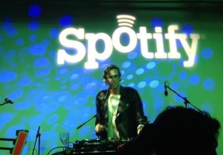 Spotify Party se encarga de poner música en tus fiestas para que tú sólo tengas que divertirte