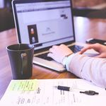 Cuidar la comunicación no verbal de la escritura, en el trabajo