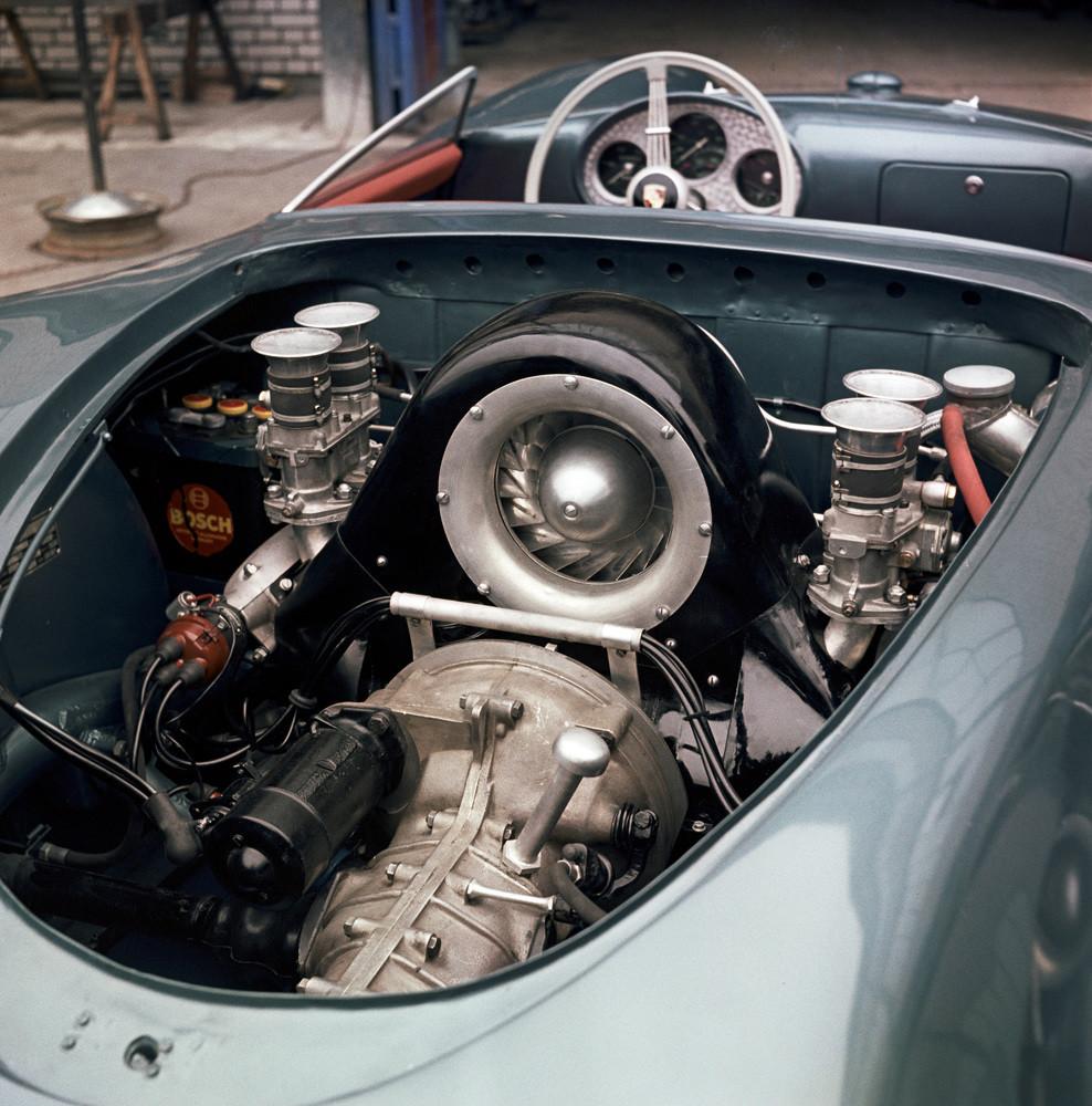 Foto de Historia de Porsche de 1940 a 1980 (25/29)