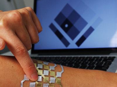 Tu piel como interfaz táctil: los tatuajes DuoSkin, de chip NFC a joyas con LEDs