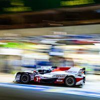El Toyota #7 pone la directa hacia la victoria en las 24 horas de Le Mans y descuelga a Fernando Alonso