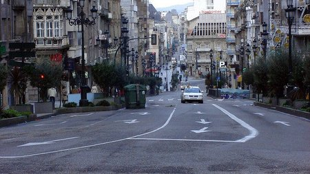 Detenido y encarcelado un conductor suicida en el centro de Vigo