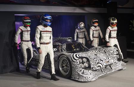 Porsche da nombre a su gladiador: 919 hybrid