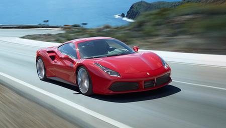 Video: Técnicas artesanales y robots, así es como se fabrica un Ferrari hoy en día