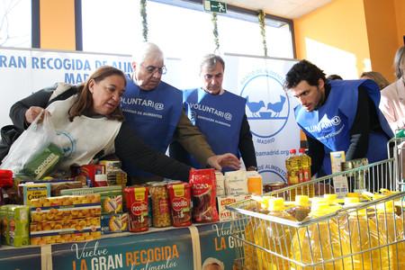 ¿Limitar el azúcar a los pobres? El debate en torno a donar dulces y procesados a los bancos de alimentos