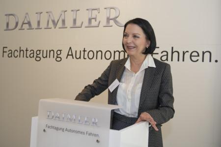 Ella hará que Volkswagen no vuelva a infringir las leyes