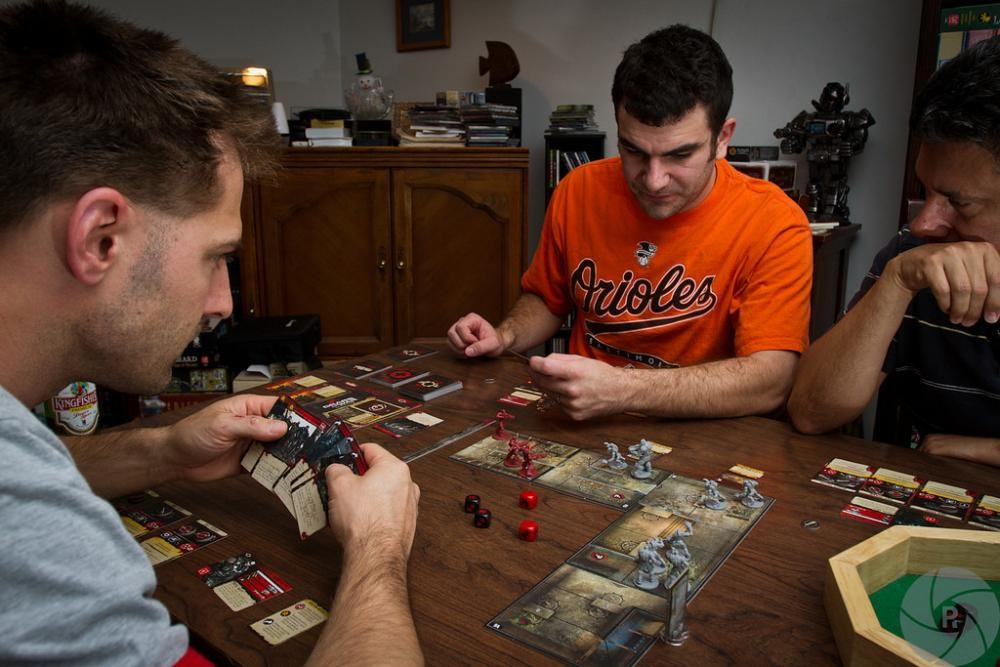 El tablero contra ti 17 juegos de mesa para los forever alone for Gears of war juego de mesa