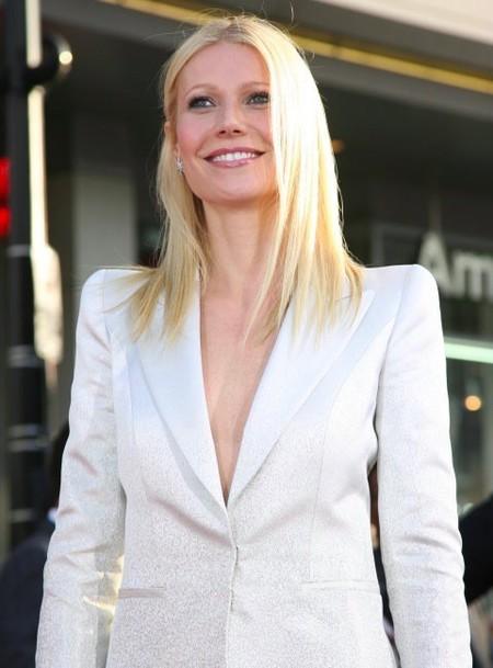 Gwyneth Paltrow y lencería negra: ¿hace falta algo más?