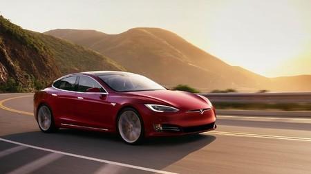 Video: Así funciona el modo Mad Max incluido en la última actualización del software de Tesla