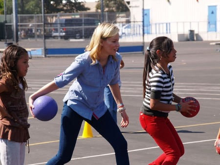 elizabeth banks turkey ball