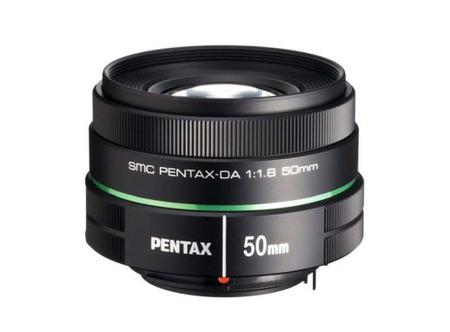 Pentax presenta un nuevo objetivo 50mm resistente, luminoso e indicado para retratos