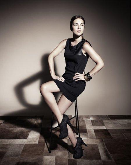 Vestido cuero negro stradivarius