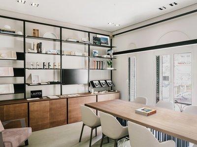 Elegante y funcional, así es el nuevo showroom de Laufen en Madrid diseñado por Patricia Urquiola