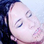 La primera ducha después del parto: cuándo y cómo lavarse tras dar a luz