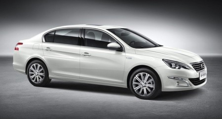 Peugeot 408 2015 - el 308 sedán para China